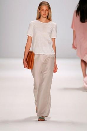 Mode zum Sommer 2012 Perret Schaad zur MBFWB