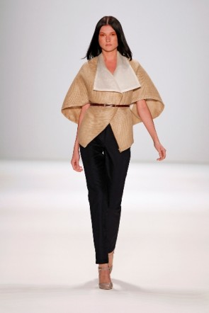 Perret Schaad gewinnt New Faces Fashion Award 2011 hier at  MBFWB