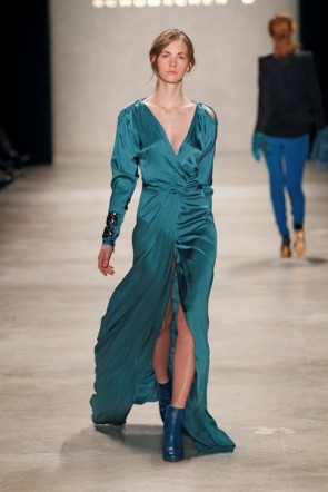 Dorothee Schumacher - Kleid lang blau zur Mercedes Benz Fashion Week Berlin 2012