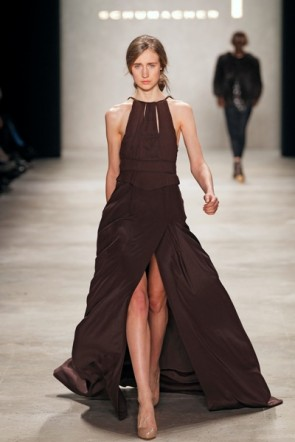 Dorothee Schumacher Kleid lang braun zur MB Fashion Week 2012