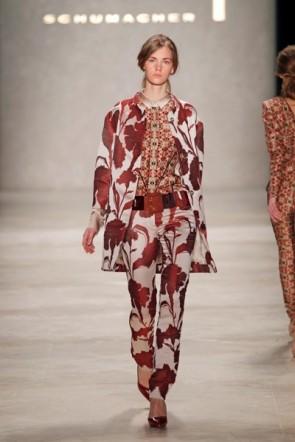 Dorothee Schumacher zur MB Fashion week 2012 mit einem ihrer seltenen floralen Muster