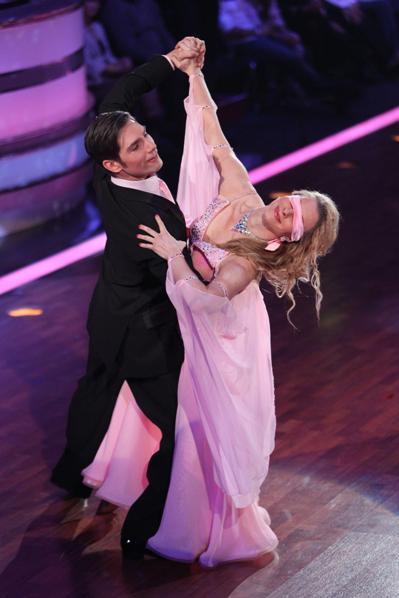 Joana Zimmer und Christian Polanc bei lets dance 2012 - Foto: (c) RTL / Stefan Gregorowius