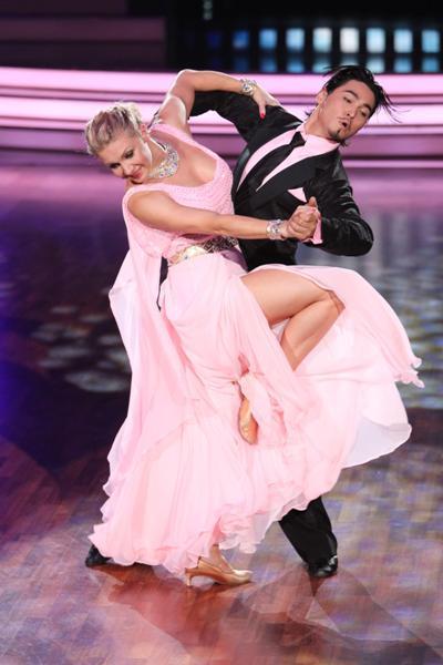 Magdalena Brzeska mit Höchtpunktzahl bei Lets dance 2012 - Foto: (c) RTL / Stefan Gregorowius