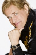 Das große Comeback des Sängers Hansi Haller (Uwe Ochsenknecht) im ZDF - Foto: ZDF - Frank Dicks