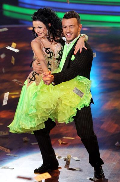 Katja Kalugina und Ardian Bujupi bei Lets Dance 2012 - (c) RTL / Stefan Gregorowius