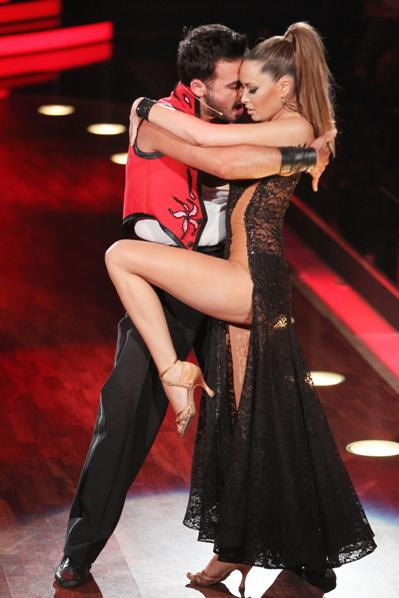 Mandy Carpisto und Stefano Terrazzino bei Lets Dance 2012 - (c) RTL / Stefan Gregorowius