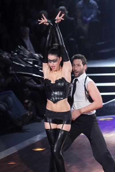 Rebecca Mir bei Lets dance 2012 mit Massimo Sinato - Foto: (c) RTL / Stefan Gregorowius
